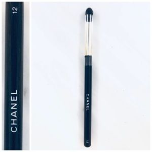 CHANEL Eye Brush 12 (brush only)